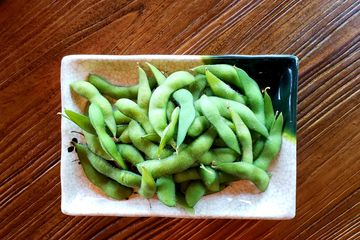 Edamame (Lightly Salted) - Steamed Baby Soy Beans in Pods