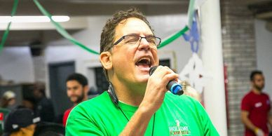 Joe Grillo sings with Holiday Express