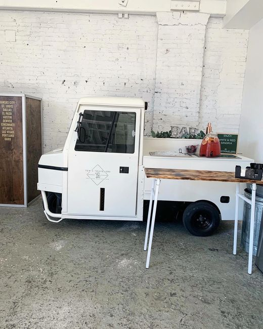 Meet our mobile bar