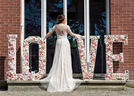 Floral love letters to hire
