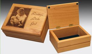 Laser engraved jewelry box with felt bottom