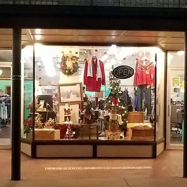 Maggie's Closet Clothing and home decor consignment and resale shop