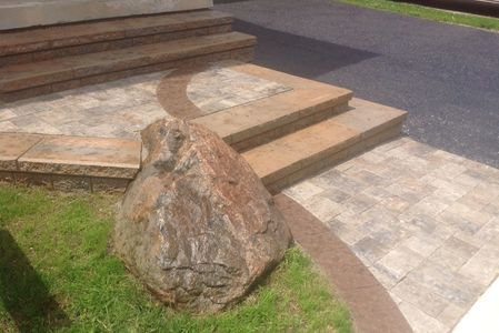 Tough Oaks-Landscaping Contractor Barrie Innisfil stone steps natural custom stone banding accents