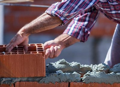 Bricklayer training brick and masonry worker concrete and masonry safety training