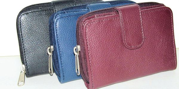 Ladies Genuine Leather bifold wallet