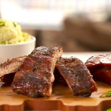 Walker's BBQ: Smoked Spare Ribs