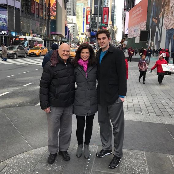 Ryan Van Wagenen, Papa, and Mama in Times Square