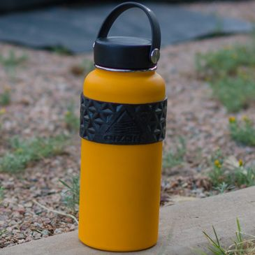 Large Arzarf water bottle holder in Black on a large Hydro Flask to make sure you've got the best insulated water bottle!