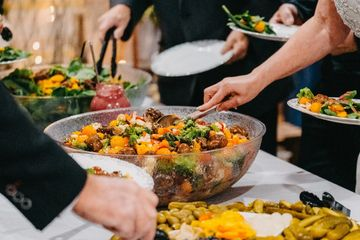 COLORFUL WEDDING FOOD BUFFET