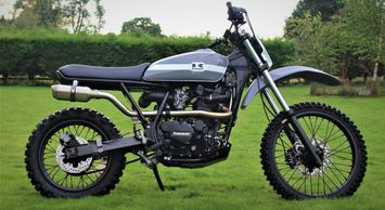 2001 Kawasaki KLR 650C retro inspired Scrambler build by ASE Custom motorcycles