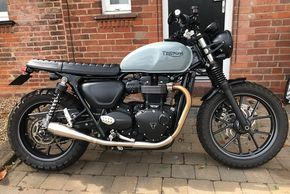 Triumph street twin custom with squirrel grey paintwork