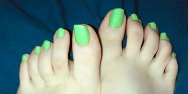 A look at the nice green toes of Amarillo's Miki Beth.