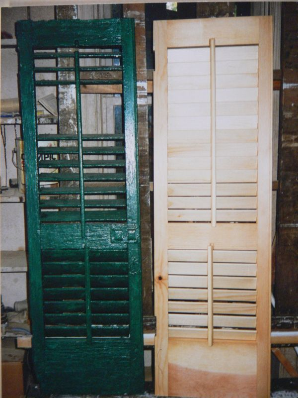 Moveable louvered shutters