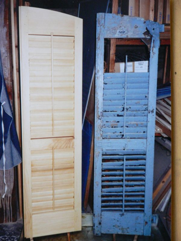 Arched top moveable louvered shutters