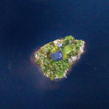 Picture of an island in the pacific ocean.