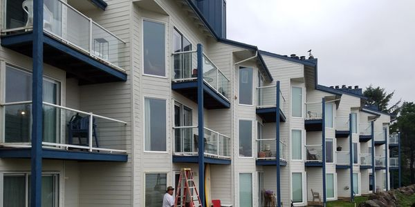 general painting contractor, painting condominiums located in lincoln city oregon 97367