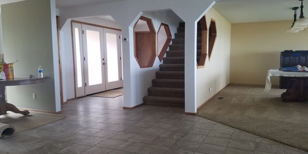 general contractor completing finish carpentry and interior painting, located in Lincoln city Oregon