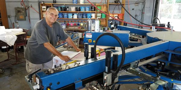 Screen-printing custom t-shirts in Knoxville, Tennessee