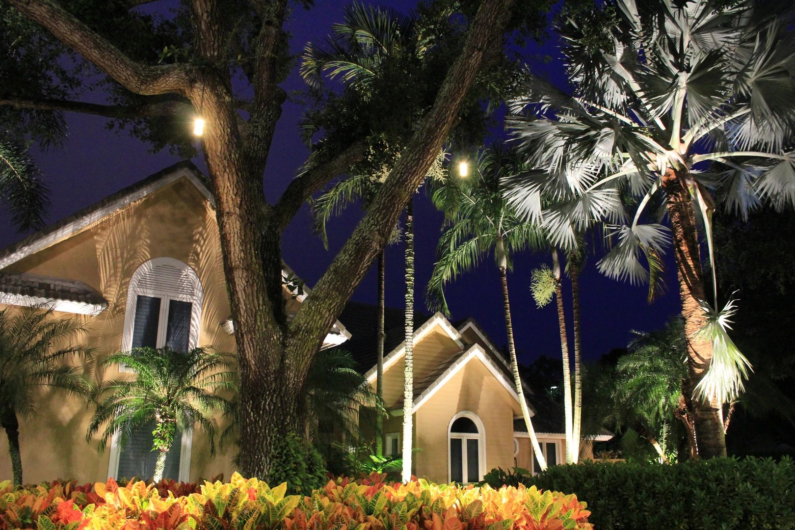 led landscape lighting, outdoor lighting, landscape light design, led lighting, landscape lighting