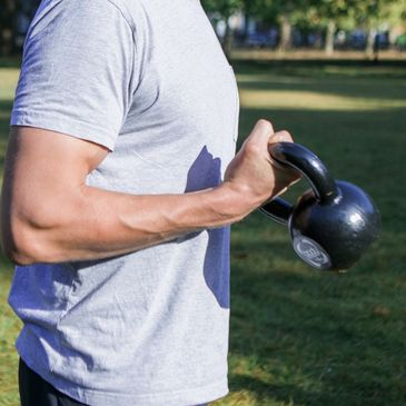 Bicep curls. Highbury Fields. PT. Personal training. Shred