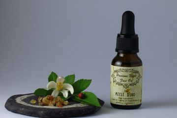 Face botanical serum with Rose hip oil and high Vitamin C content plus frankincense essential oil for anti ageing effect