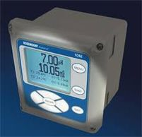 This is an analyzer and transmitter to measure pH and conductivity.