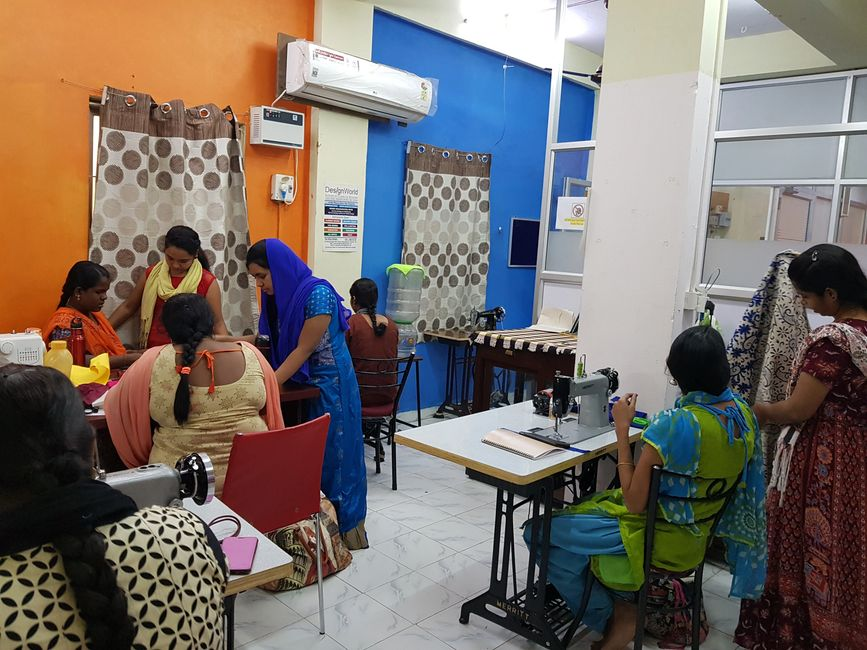 tailoring class in adambakkam, tailoring class in velachery, fashion designing courses in chennai