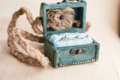 Ring Treasure chest by Sue, picture by