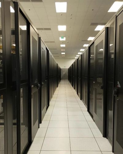 hot aisle data center cabinets and raised floor