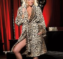 SOFT & FLUFFY LUXURIOUS LEOPARD PRINT ROBE.