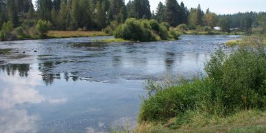 Kayak The Williamson River running through Chiloquin, Oregon in Klamath County by Crater Lake Park.