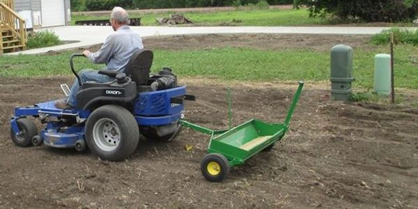 Sioux Falls Lawn Fertilizing and Power Raking