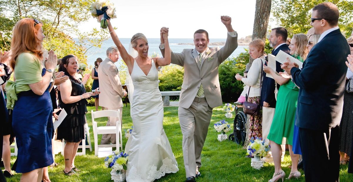 Let our team of professional wedding officiants help you plan your wedding ceremony.
