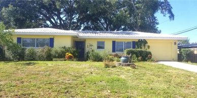 Largo Florida family home for sale reasonable price 2 bedroom 2 bath fenced in yard