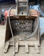 hire allu bucket  hire crusher bucker for diggers joinpoint  midlands  leicester Birmingham London