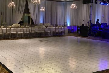 ALL WHITE DANCE FLOOR CAN ALSO BE ALL BLACK
