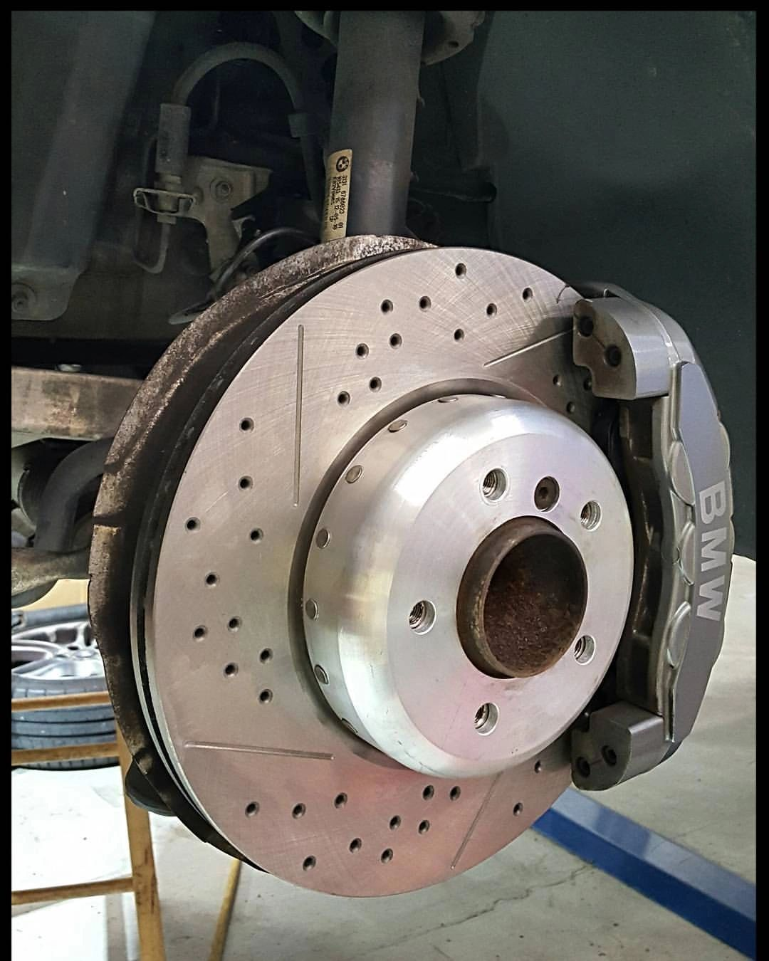 Brake services being performed in Peachtree City, GA