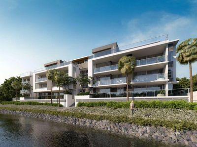Prestigious Gold Coast enclave, water frontage, access to the Broadwater & Sanctuary Cove.