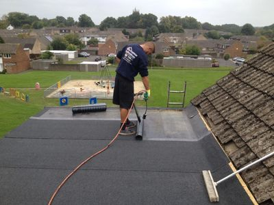 Woking roofers, New Flat Roofing in Woking 10 year insurance backed guarantees on all new roofs.