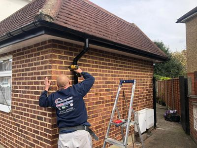 Kingston Roofer New Gutter, Fascia and Soffit system in Kingston Ten Year Insurance Backed Guarantee