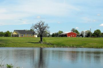 250 +/- acre Three Ponds Ranch in Stuart, OK sold by Southwest Ranch & Farm Sale.