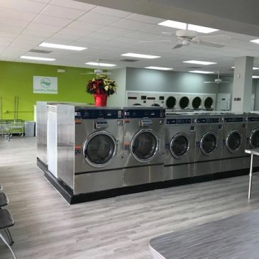coin laundromat in Alexandria with fee WiFi and TV