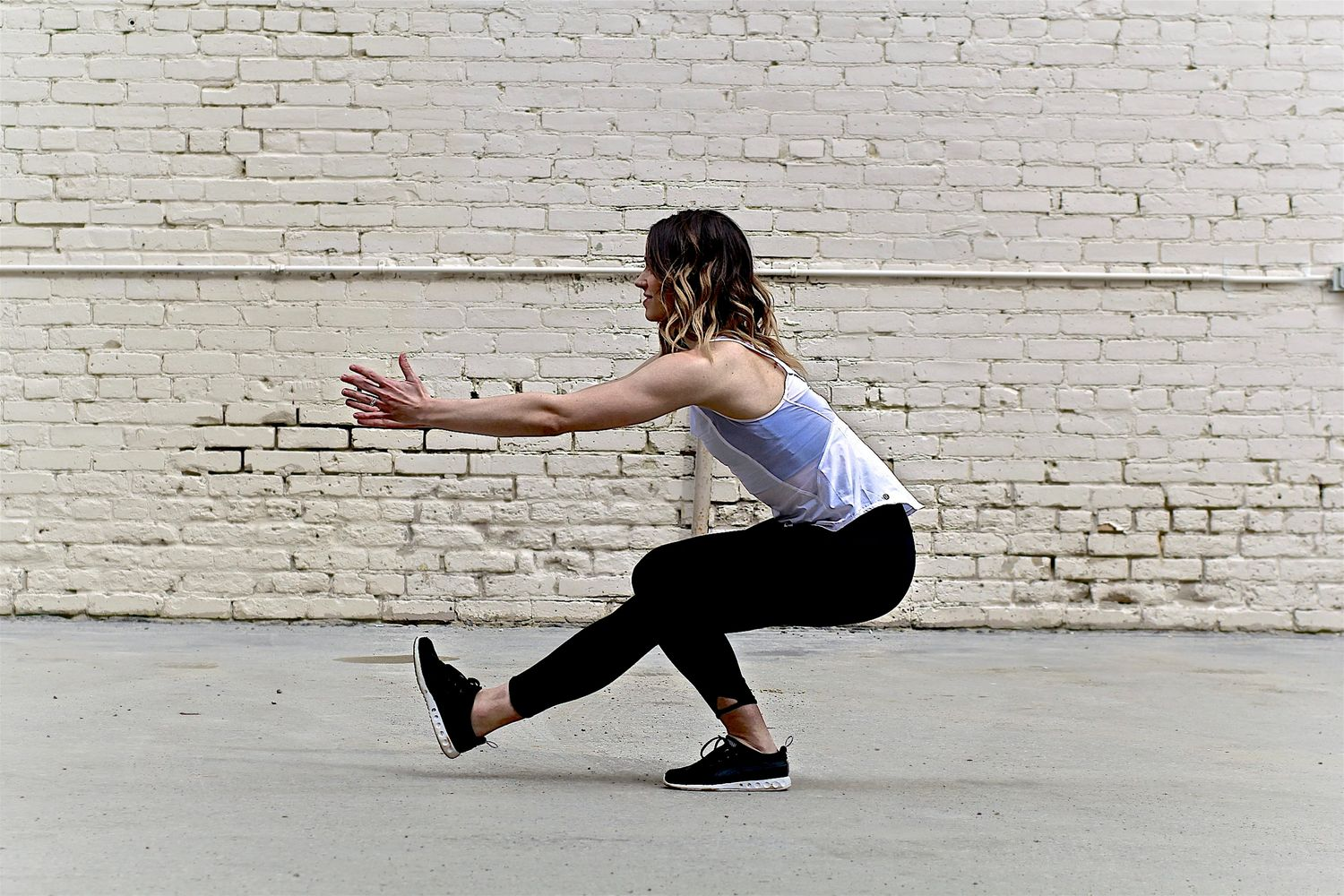 Saskatoon outdoor workouts, pistol squat, outdoor fitness, bodyweight workout.