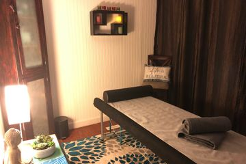 Reiki  and massage therapy room at ReikiJunction location in Rochester, Minnesota