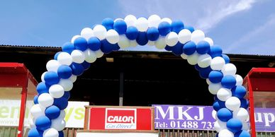 Large Garland Balloon Arch Blue and White