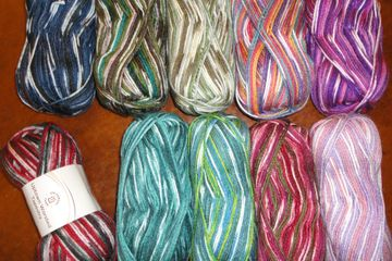 Universal Uptown Worsted Tapestry anti-pilling acrylic