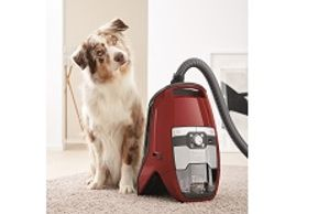 Pet Hair Miele Blizzard CX1 HomeCare Canister Bagless vacuum canister with 1200 watt Miele made Vortex Motor. HEPA lifetime filter. Parquet Twister Floorhead. SEB 236 Floorhead. 4-setting Suction control via Rotary Dial.
