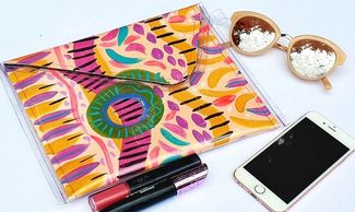 whats on noosa creative therapy  abstract art  fashion workshop sustainable fashion  DIY clutch