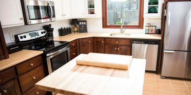 Kitchen, cherry cabinets, two tone cabinets