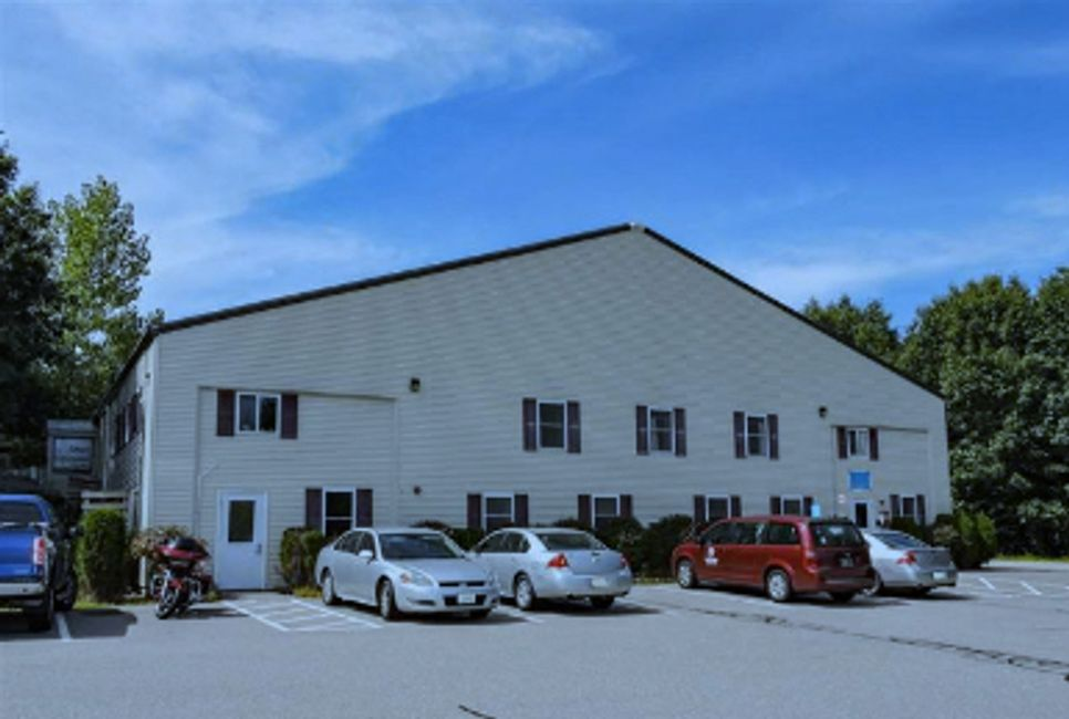 5694 SF  Lease Available Exeter, NH      8b Continental Ave  $9 Sf/Yr